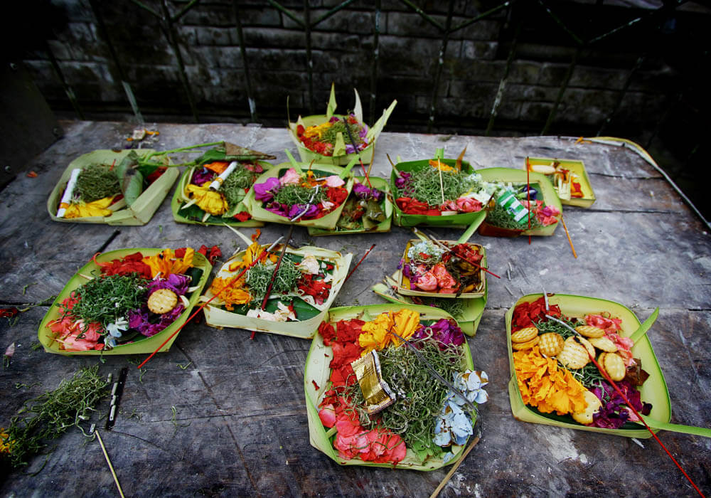 Bali Barfuss Annaway Offerings