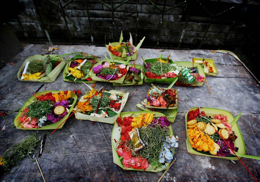 Bali Barfuss Annaway Offerings