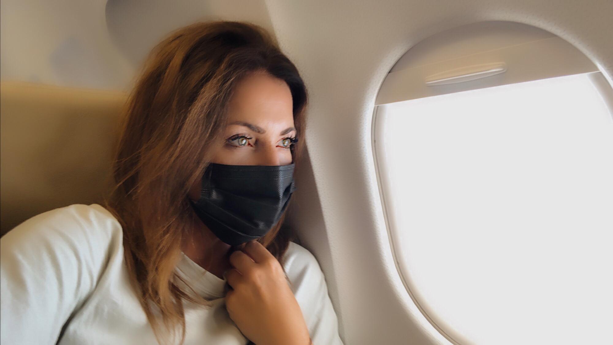 Fliegen mit Maske Reisen nach Lockdown